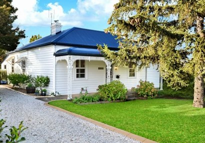 Picture-perfect Bowral cottage for sale