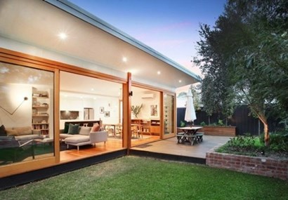 Kingsville house sets new suburb price record